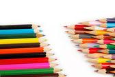 Kleurrijke potloden op de witte achtergrond. — Stockfoto