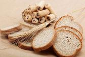 Açık kahverengi renkli taze ekmek. — Stok fotoğraf