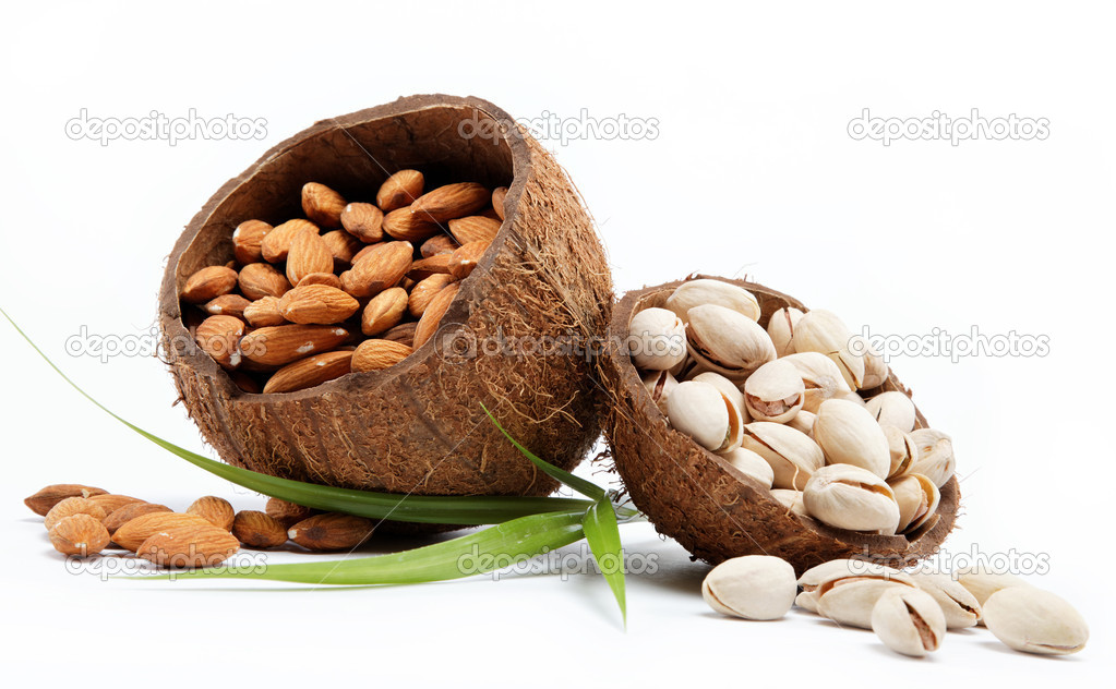 Almond and pistachio nuts. — Stock Photo #9664983