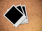 Fotos antigas em fundo de madeira — Fotografia Stock