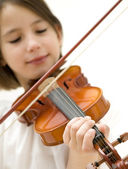 Young girl portrait with violin — Stock Photo