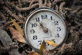Old broken antique watch — Foto Stock