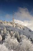 Tv zender sitno in winterlandschap — Stockfoto