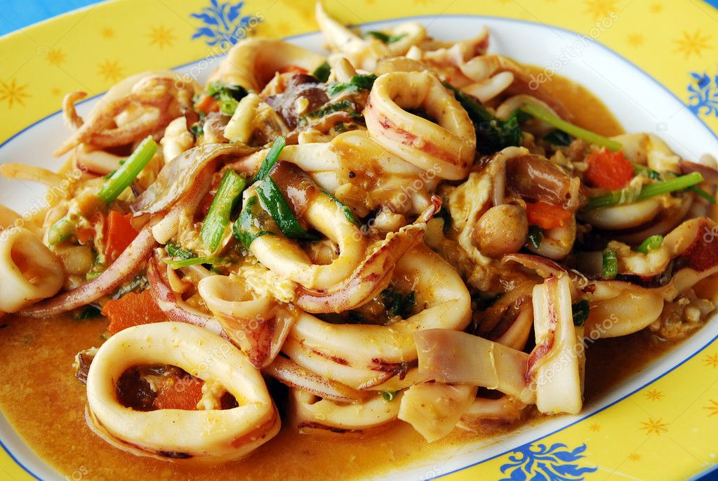 Thai food spicy squid curry stock photo kritiya 10257849 for 8 spices thai cuisine