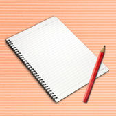 Lápis e caderno página aberta. — Foto Stock