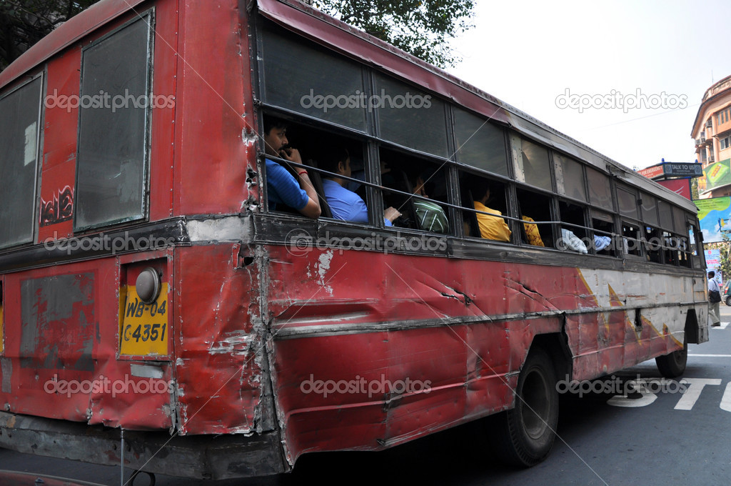 Bus in Kolkata during the daytime. — Stock Photo #9015688