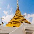 Golden stupa's base color is white — Stock Photo