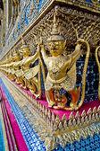 Garuda statue in the corner of temple — Stock Photo