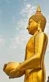 Buddha at Wat Arun soak up the bowl — Stock Photo