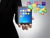 Geschäftsmann mit touch-screen-gerät — Stockfoto