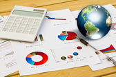 Pen and business graph with earth (Elements of this image furnis — Stock Photo
