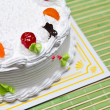 White Cream Cake with Fruits and Chocolate — Lizenzfreies Foto