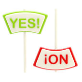 """Yes"" and ""No"" plates isolated — Stock Photo"