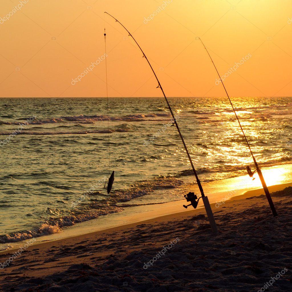 удочка на моря от берега