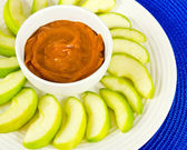 Green Apple Slices and Caramel Apple Dip — Stock Photo