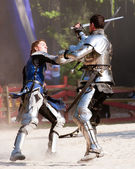 Sword fight at renaissance fair — Stock Photo