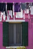 Kläder som hänger utanför — Stockfoto