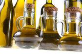 Botellas de aceite de oliva virgen extra — Foto de Stock