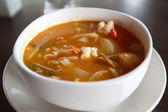 Tom Yum soup Thai traditional spicy prawn soup with noodle — Stock Photo