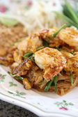 Thai food padthai fried noodle with shrimp — Stock Photo