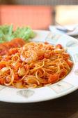 Spaghetti with shrimp — Stock Photo