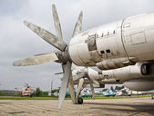 Oude vliegtuig motor — Stockfoto