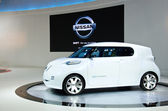 Nissan nulové emise-auto — Stock fotografie