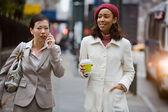 Kent iş kadınları — Stok fotoğraf