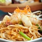 Постер, плакат: Seafood Pad Thai Dish