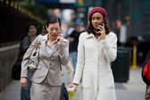 Mobile Business Women — Foto Stock