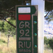 Signal GR long distance footpath that leads the way — Stock Photo
