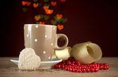 明るいボケ味 backdground の木製のテーブルの上にコーヒーを 1 杯 — ストック写真