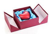 Hjärtat i rutan isolerad på vit — Stockfoto