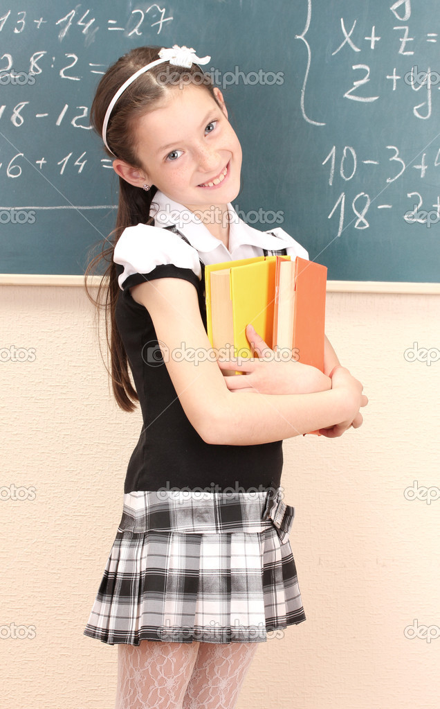 Schoolgirl Kacie James undressing in the classroom to finger on teacher's desk № 778804  скачать