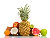 Tropické ovoce izolovaných na bílém — Stock fotografie