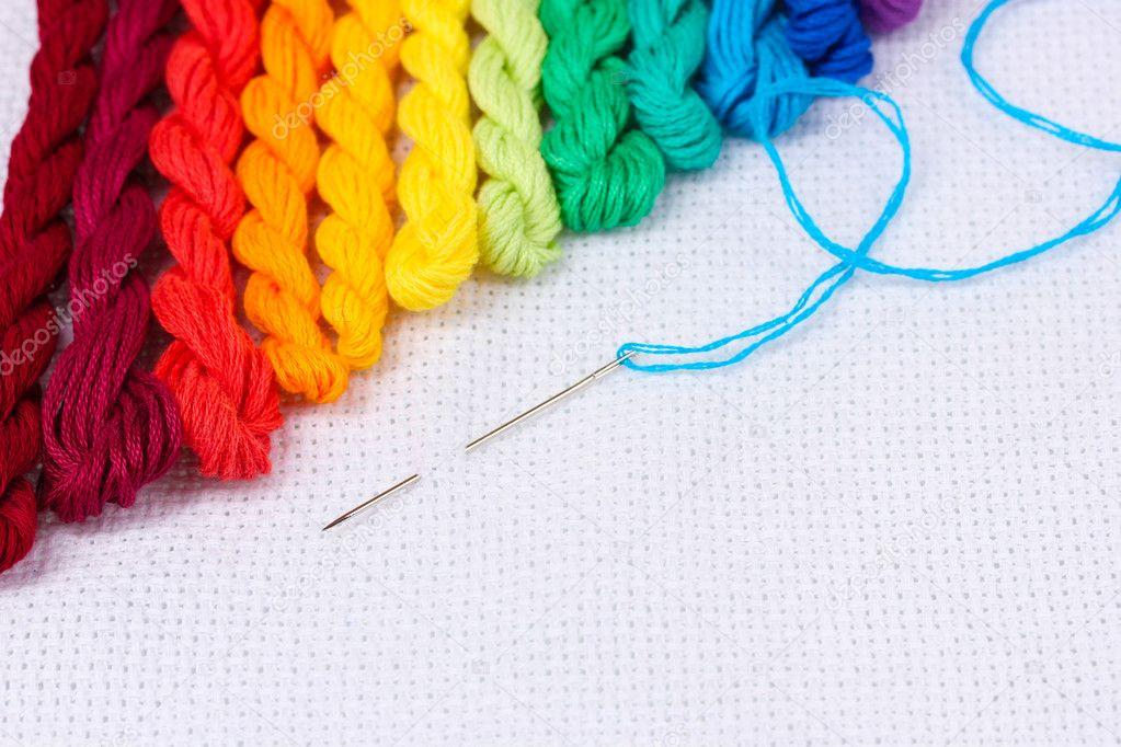 Иголка с ниткой вышивка