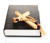 Bible, rosary and wooden cross isolated on white — Стоковое фото