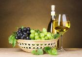 Grapes & wine — Stock Photo