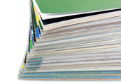 Beyaz izole dergi yığınının — Stok fotoğraf
