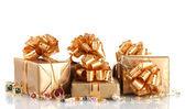 各种黄金首饰及礼品上白色隔离 — 图库照片