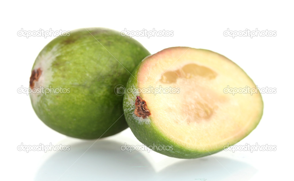 slsed brasilianische guave frucht isoliert auf weiss stockfoto belchonock 8799240. Black Bedroom Furniture Sets. Home Design Ideas