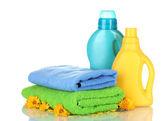 Ručník a čištění, izolované na bílém — Stock fotografie