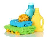 Havlu ve üzerinde beyaz izole temizleme — Stok fotoğraf