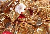Várias jóias ouro closeup — Foto Stock