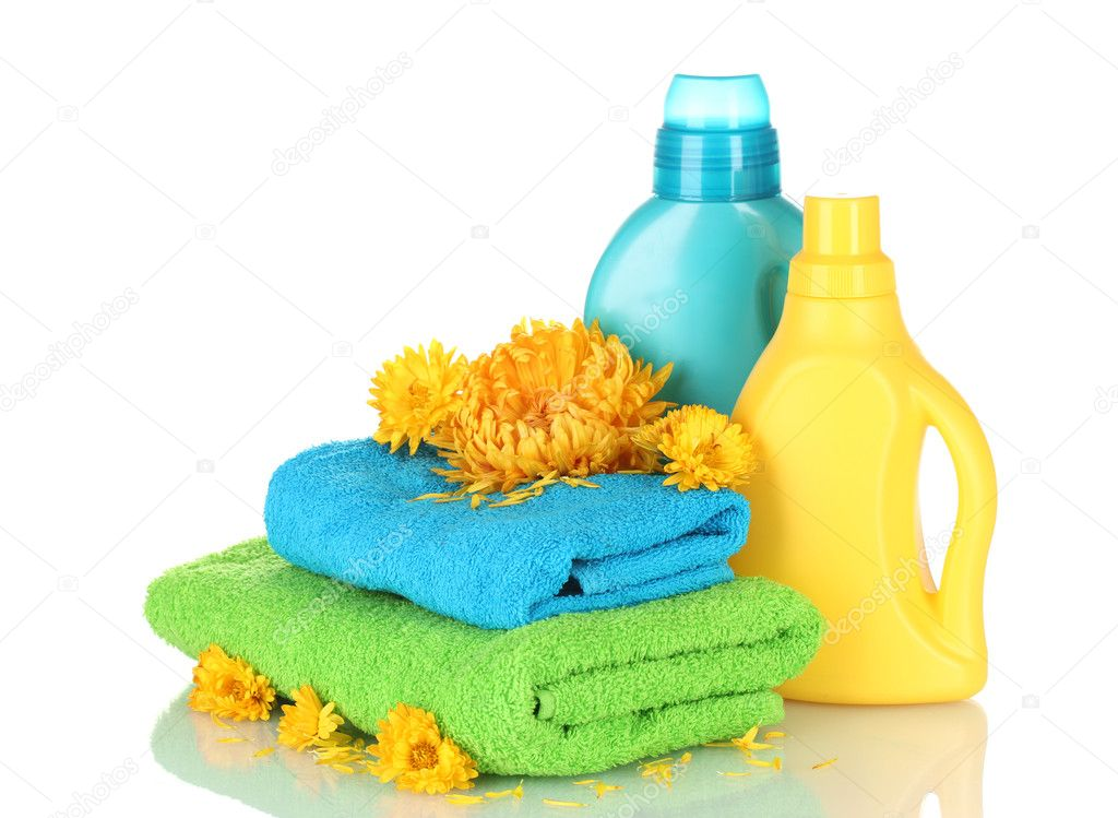 Towel and cleaning isolated on white — Stock Photo #9245146