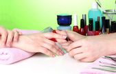 Manicure process in beautiful salon — Stockfoto