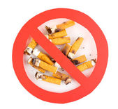 Cigarette butts with prohibition sign isolateed on white — Stok fotoğraf