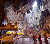 KUALA LUMPUR, MALAYSIA - MARCH 2012: Hindu temple in Batu Caves. — Stock Photo