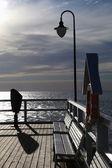 Sole e cielo al molo — Foto Stock