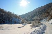 Zimní slunečné údolí — Stock fotografie
